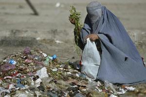 Poor women (2)